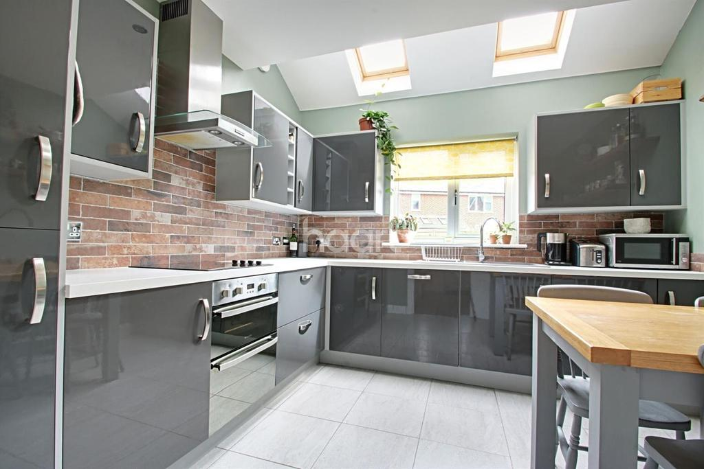 3 Bedrooms Terraced House for sale in Market Lane, Witham