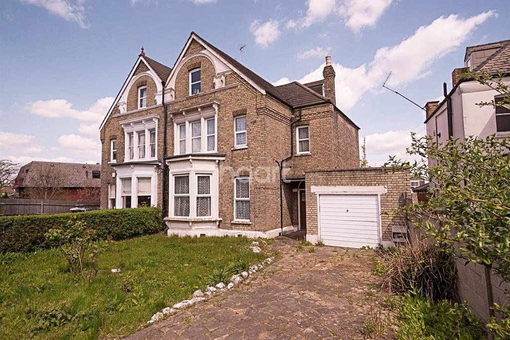 7 Bedrooms Semi Detached House for sale in Church Hill, Winchmore Hill, N21