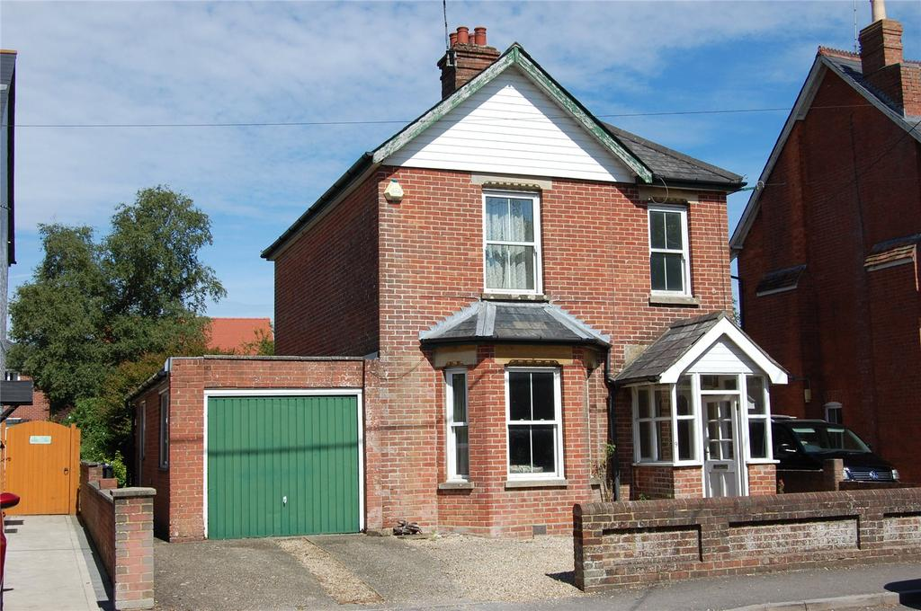 3 Bedrooms Detached House for sale in Station Road, Sturminster Marshall, Wimborne, BH21