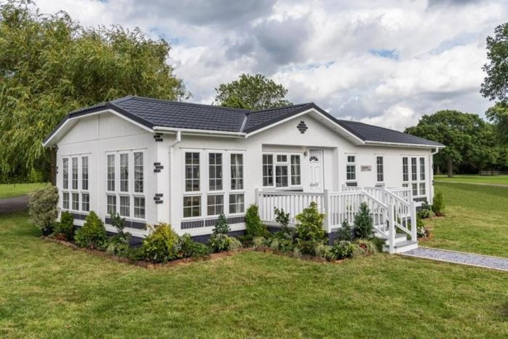 2 Bedrooms Park Home Mobile Home for sale in London Road, Fowlmere