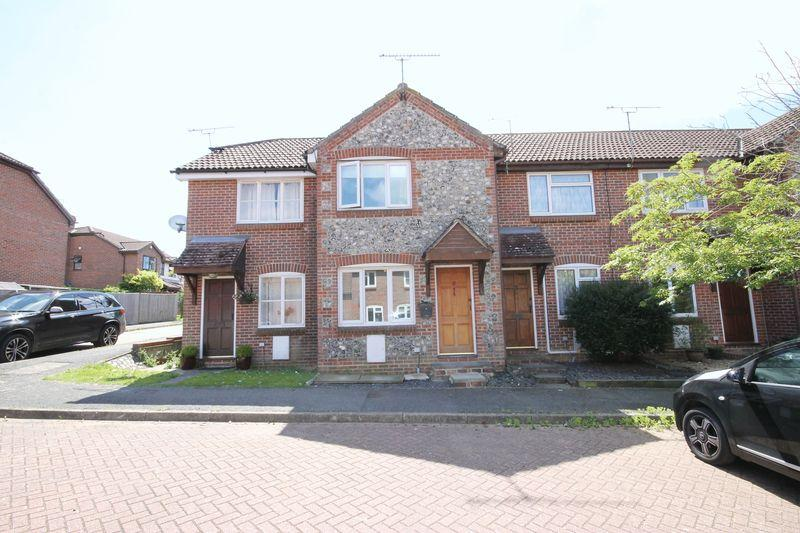 2 Bedrooms Terraced House for sale in Perryfields, Burgess Hill, West Sussex