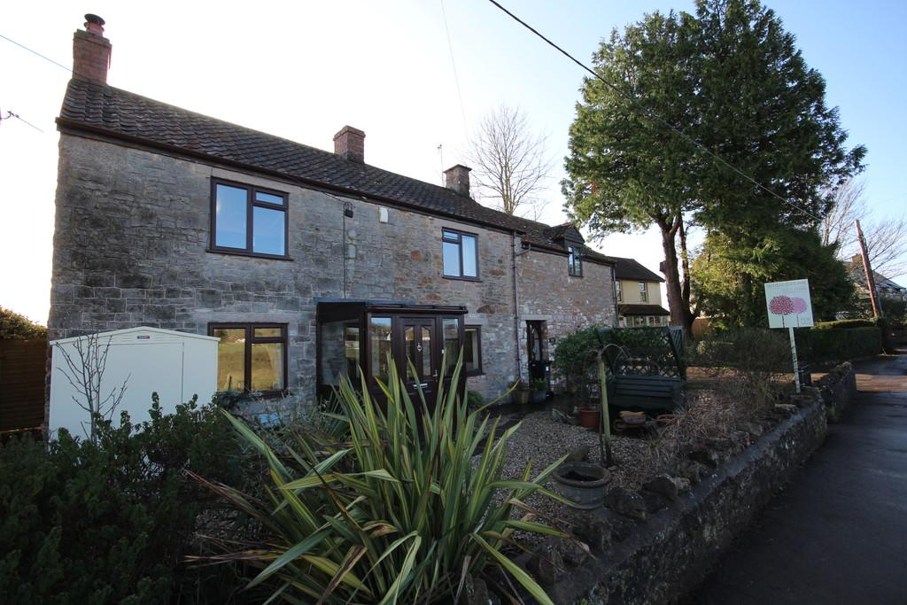 3 Bedrooms Detached House for sale in A short walk to the popular Chew Valley School in Chew Stoke.