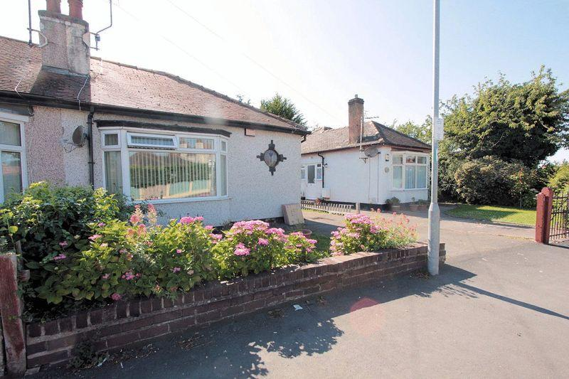 2 Bedrooms Semi Detached Bungalow for sale in St Margarets Drive, Rhyl