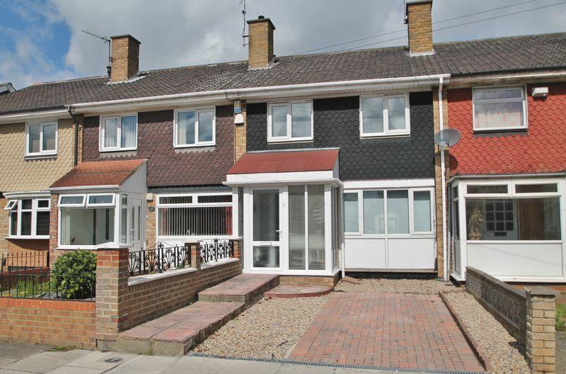 3 Bedrooms Terraced House for sale in Bournemouth Avenue, Ormesby
