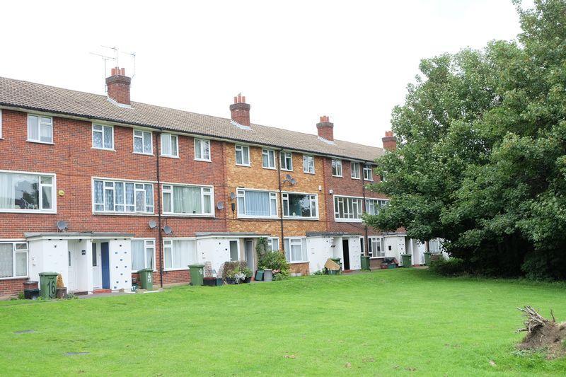 2 Bedrooms Flat for sale in Bexley Lane, Crayford