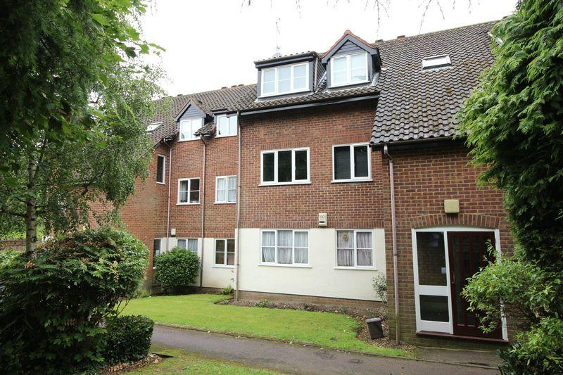 2 Bedrooms Apartment Flat for sale in Galdana Avenue, Barnet