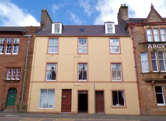 2 Bedrooms Flat for sale in Flat 3, 60 Main Street, Campbeltown, PA28 6AB