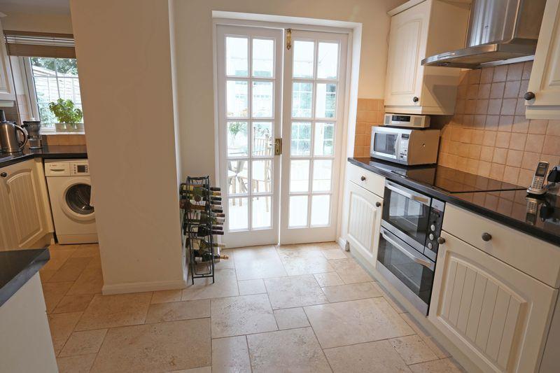 3 Bedrooms Detached House for sale in Wheatsheaf Lane, Cuckfield