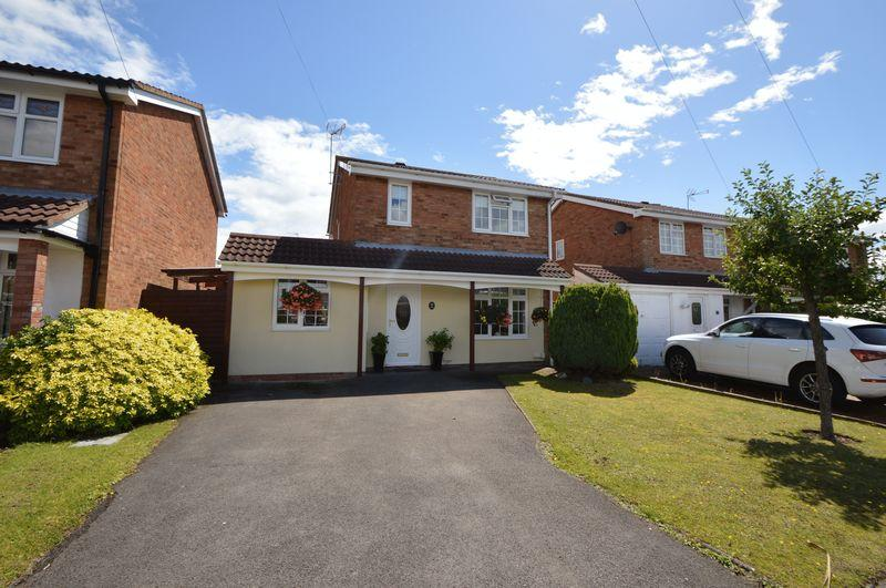 4 Bedrooms Detached House for sale in Aldgate Drive, Amblecote, Brierley Hill