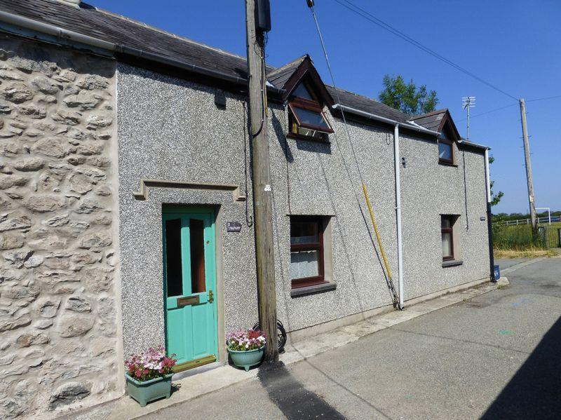 2 Bedrooms Terraced House for sale in Rachub