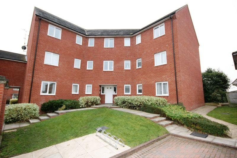 2 Bedrooms Apartment Flat for sale in HAMBLE WAY, HILTON