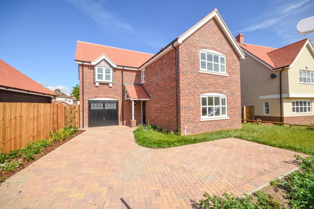 4 Bedrooms Detached House for sale in The Orchard, Barrack Street, Bradfield