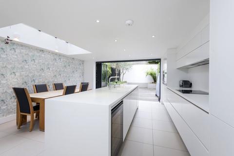 5 bedroom terraced house to rent - Calbourne Road, SW12