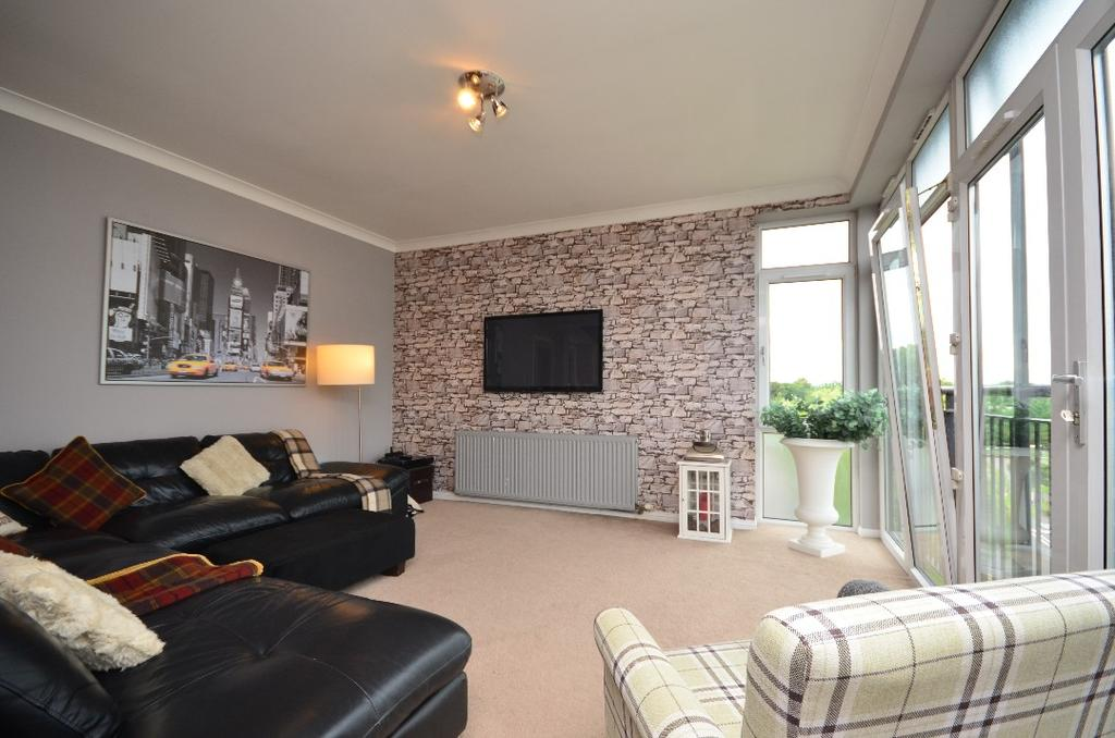 3 Bedrooms Apartment Flat for sale in Campbell Close, Hamilton, South Lanarkshire, ML3 6BF
