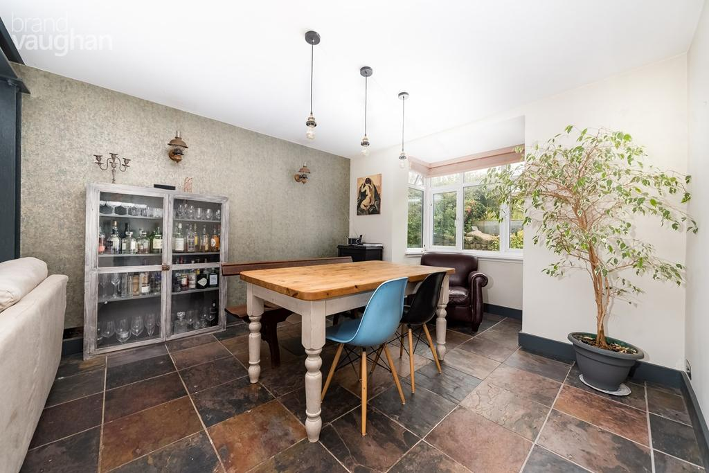 4 Bedrooms Terraced House for sale in Hamilton Road, Brighton, BN1