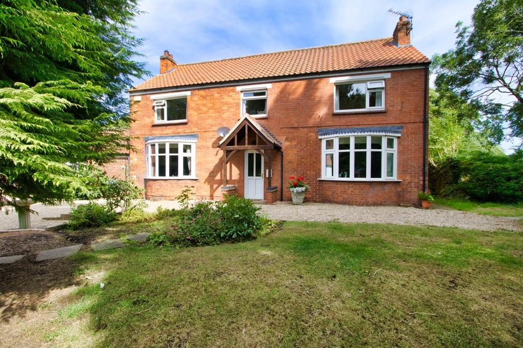 4 Bedrooms Detached House for sale in Covenham St. Mary, Louth
