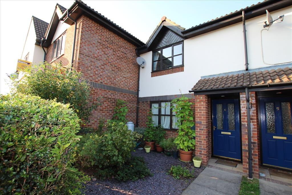 2 Bedrooms Terraced House for sale in Yeomanry Drive, BALDOCK, SG7