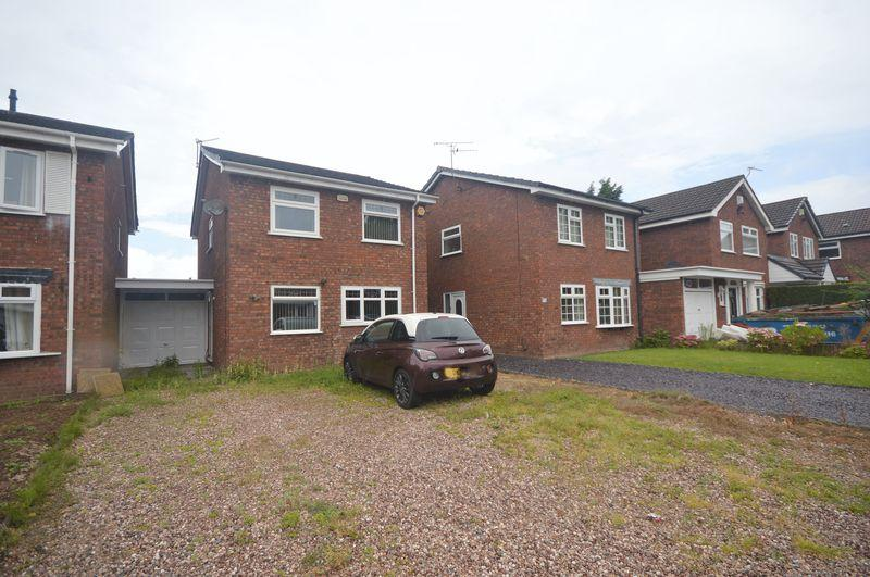 3 Bedrooms Link Detached House for sale in Silverdale Close, Huyton