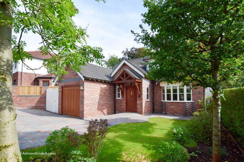 3 Bedrooms Detached House for sale in Whitethorn Avenue, Great Sankey, Warrington