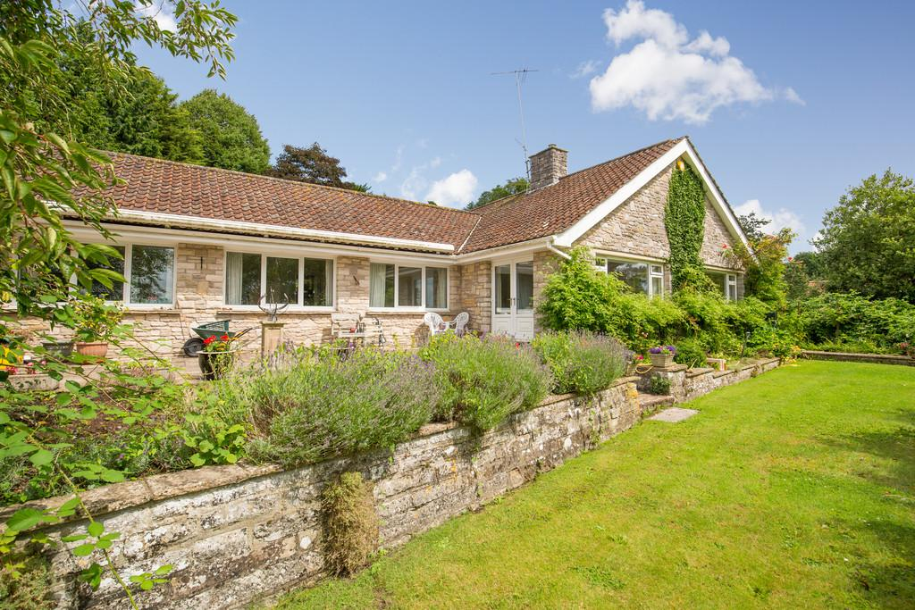 4 Bedrooms Detached Bungalow for sale in Ditcheat