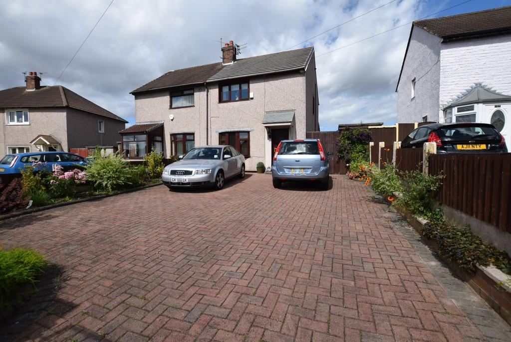 2 Bedrooms Semi Detached House for sale in Parbold Avenue, Blackbrook, St. Helens