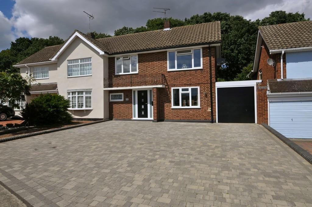 3 Bedrooms Semi Detached House for sale in Cheltenham Drive, Benfleet