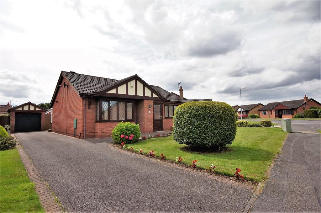 2 Bedrooms Detached Bungalow for sale in Lady Meers Road, Cherry Willingham, Lincoln