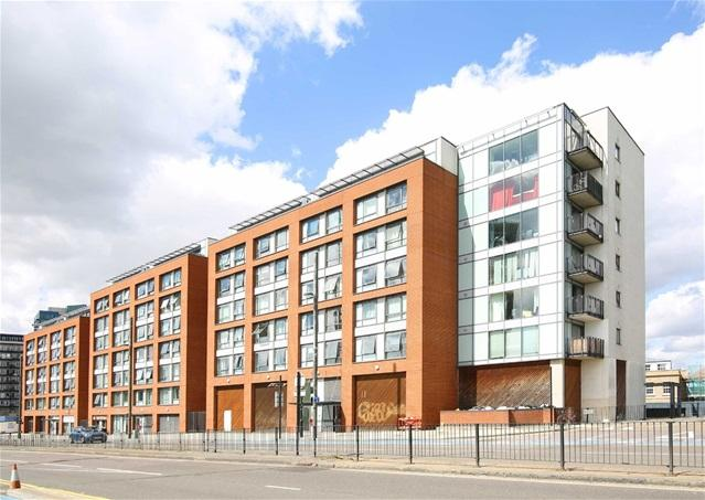 2 Bedrooms Flat for sale in The Lock, Stratford High Street, Stratford