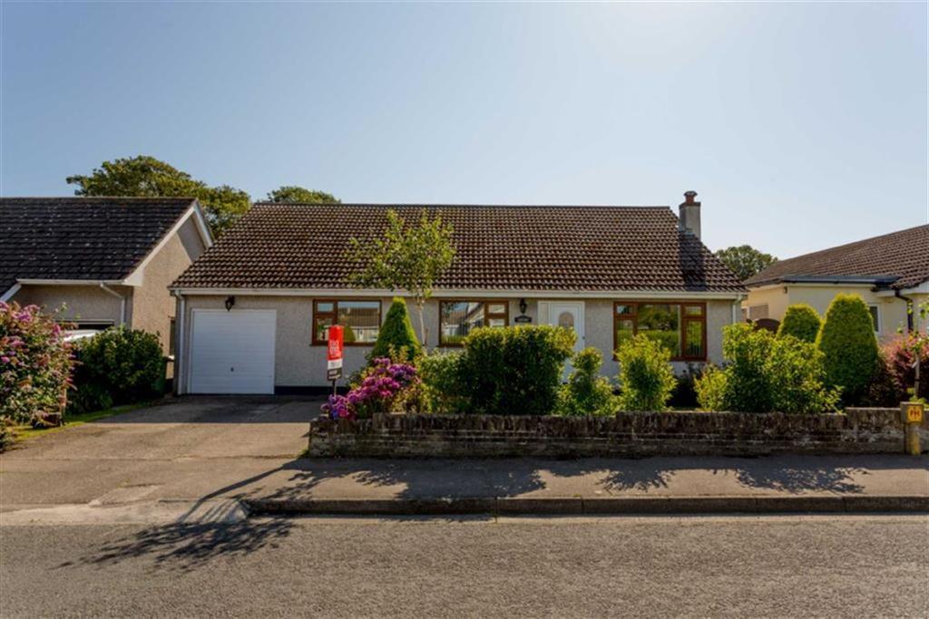 3 Bedrooms Detached Bungalow for sale in Ballaquane Park, Peel, Isle of Man