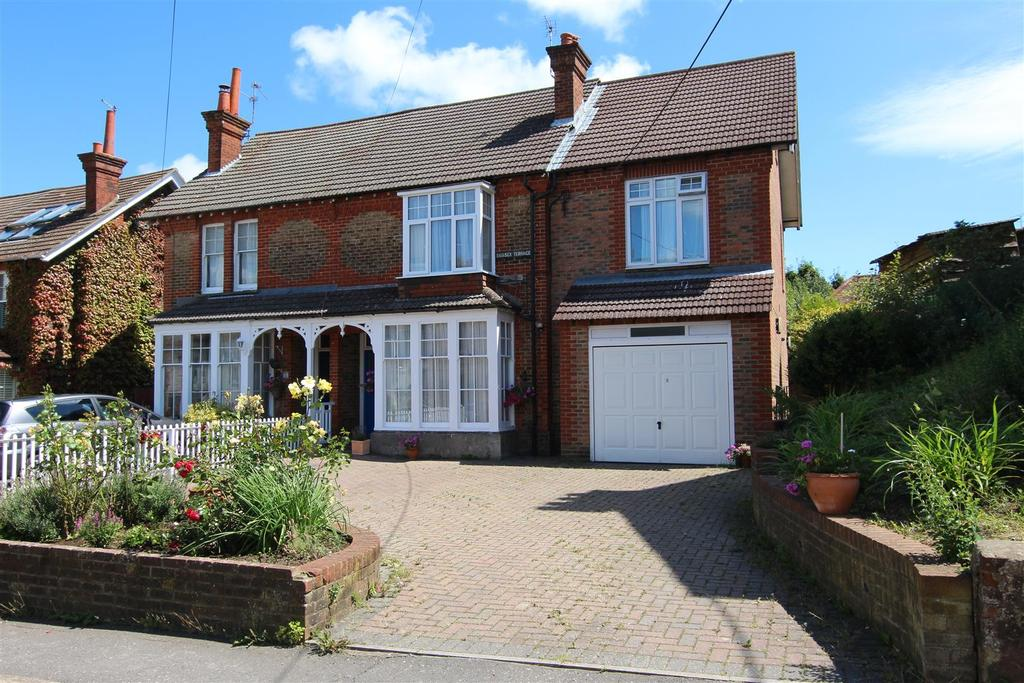 5 Bedrooms Semi Detached House for sale in Mill Road, Burgess Hill