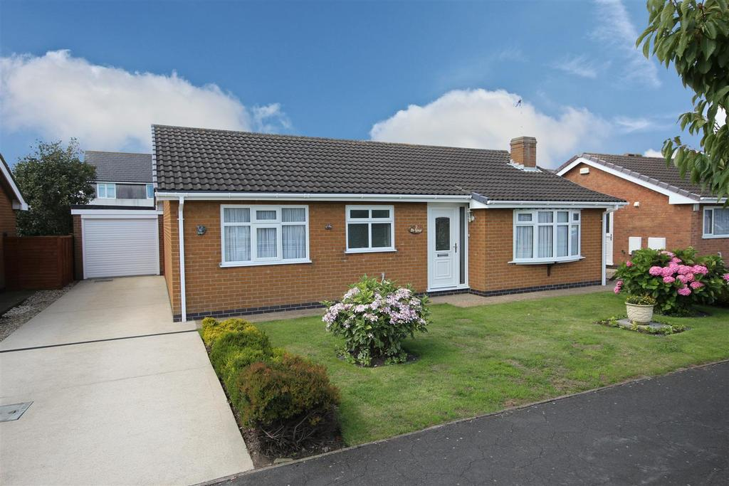 2 Bedrooms Detached Bungalow for sale in 7 The Sidings, Sutton-On-Sea,