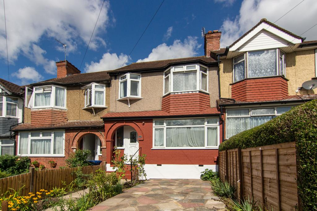 3 Bedrooms House for sale in Girton Road, Northolt