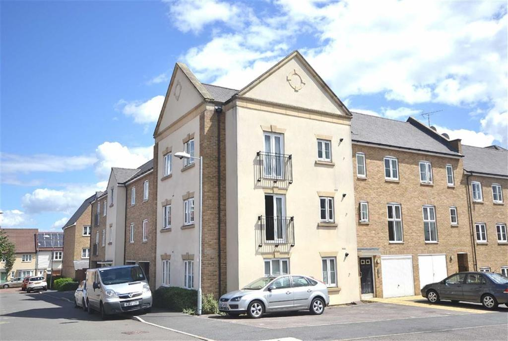 1 Bedroom Flat for sale in The Square, Loughton, Essex