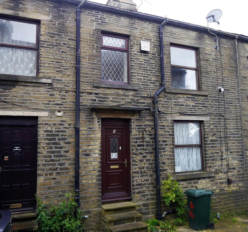 2 Bedrooms Terraced House for sale in Russell Street, Queensbury, Bradford, BD13 2PH