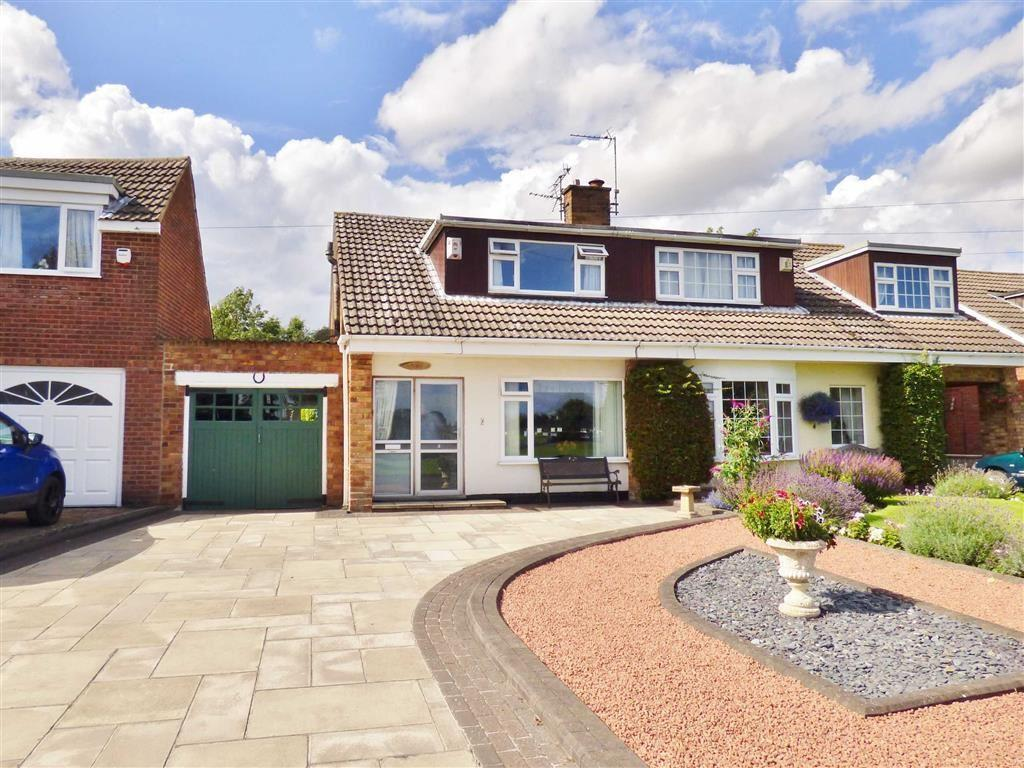 3 Bedrooms Semi Detached Bungalow for sale in The Green, Dunnington