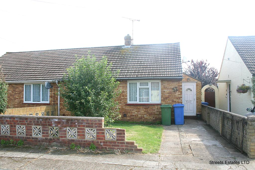 2 Bedrooms Semi Detached Bungalow for sale in Sittnigbourne, Kent ME10