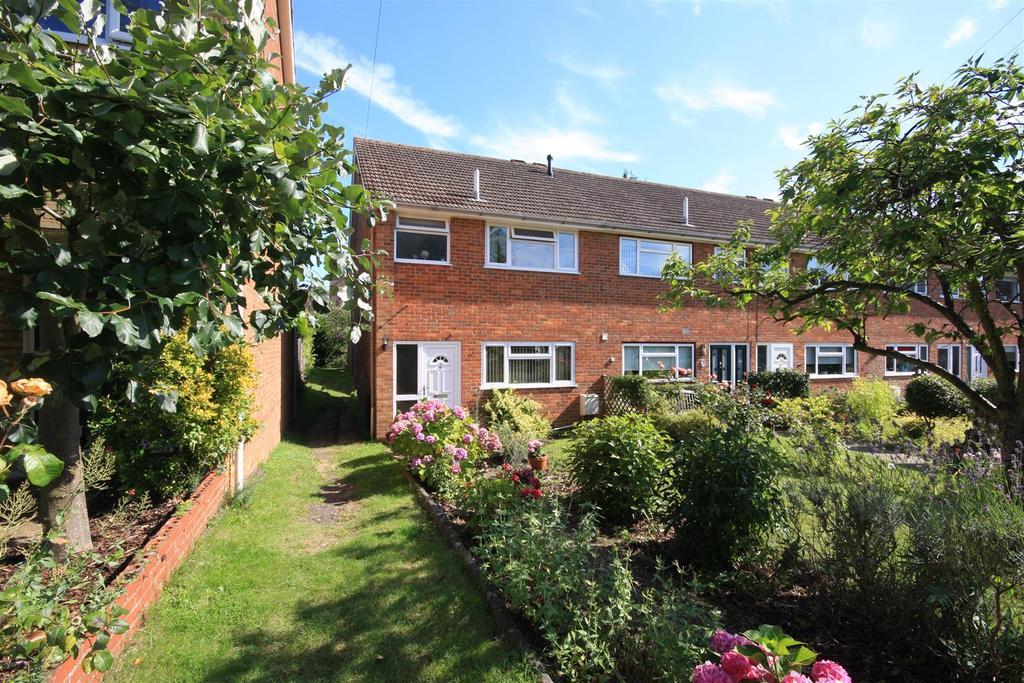 3 Bedrooms End Of Terrace House for sale in Waterslippe, Hadlow
