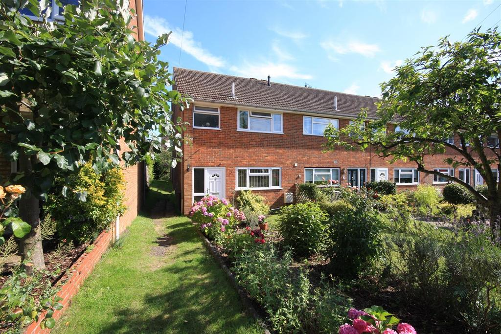 3 Bedrooms End Of Terrace House for sale in Waterslippe, Hadlow
