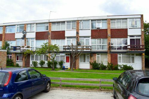 3 Bedrooms Maisonette Flat for sale in Belverdere Masons, Slough