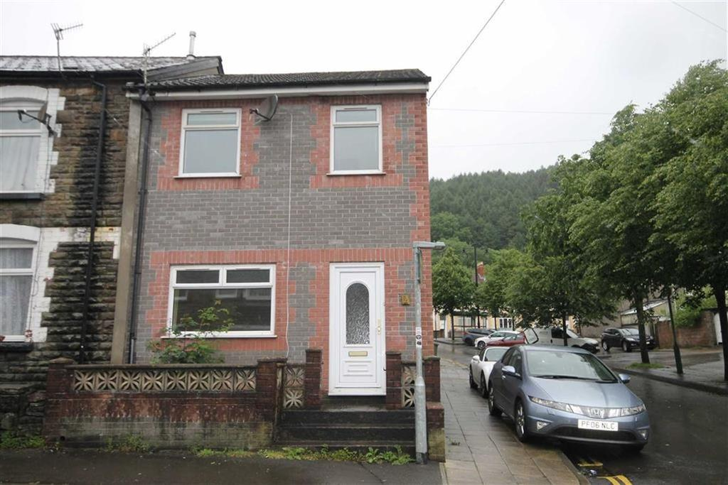 3 Bedrooms End Of Terrace House for sale in School Street, Caerphilly, CF83