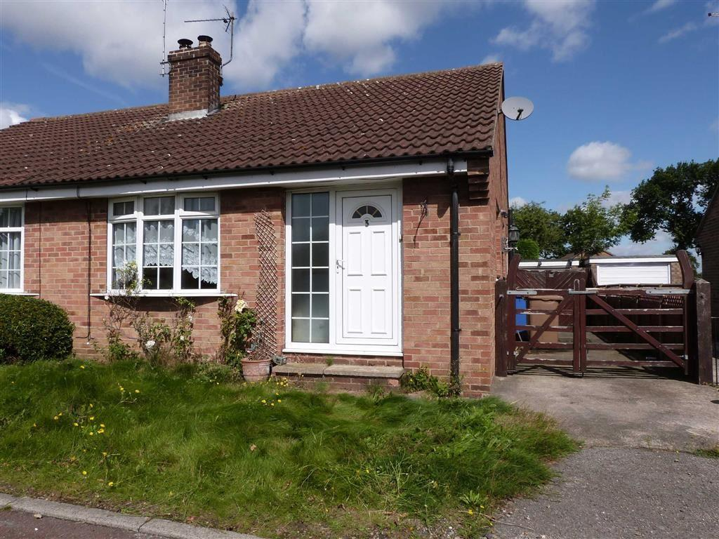 2 Bedrooms Semi Detached Bungalow for sale in St Oswalds Close, Wilberfoss