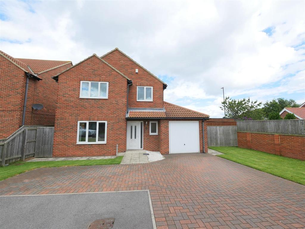 4 Bedrooms Detached House for sale in Hilltop Gardens, Tunstall Village Green