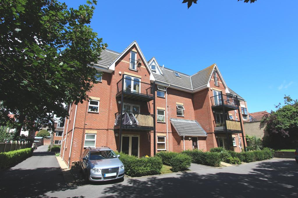 2 Bedrooms Apartment Flat for sale in Holly Court, 17 Florence Road, Bournemouth BH5