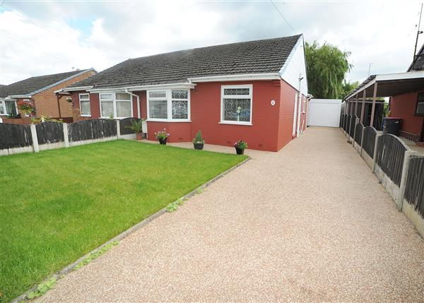 2 Bedrooms Bungalow for sale in 66 Sandy Lane, Irlam M44 6WJ