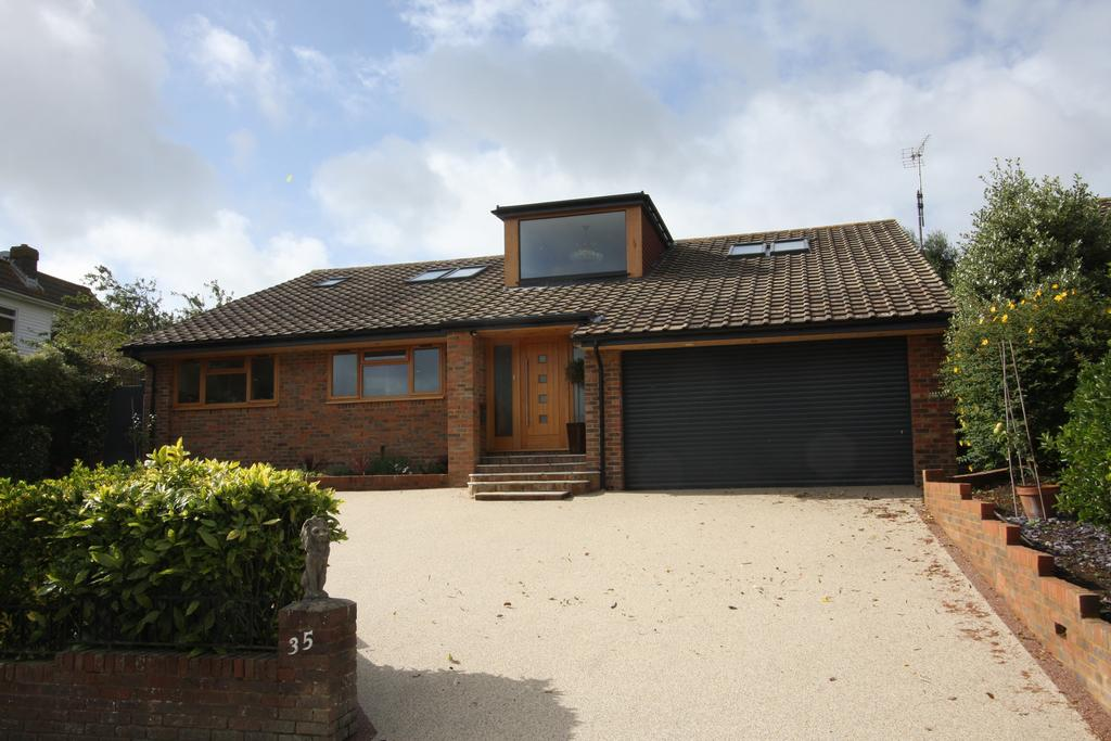 5 Bedrooms Detached House for sale in Compton Drive, Eastbourne BN20