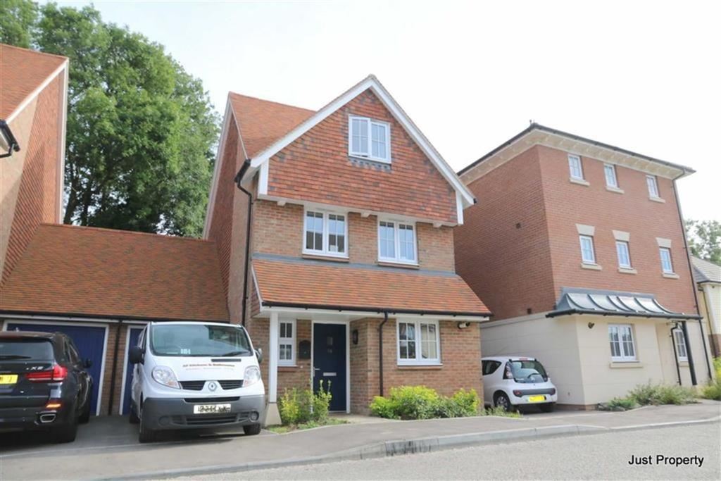 4 Bedrooms Link Detached House for sale in Woodlands Way, Hastings