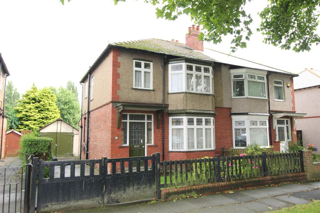 3 Bedrooms Semi Detached House for sale in The Broadway, Darlington