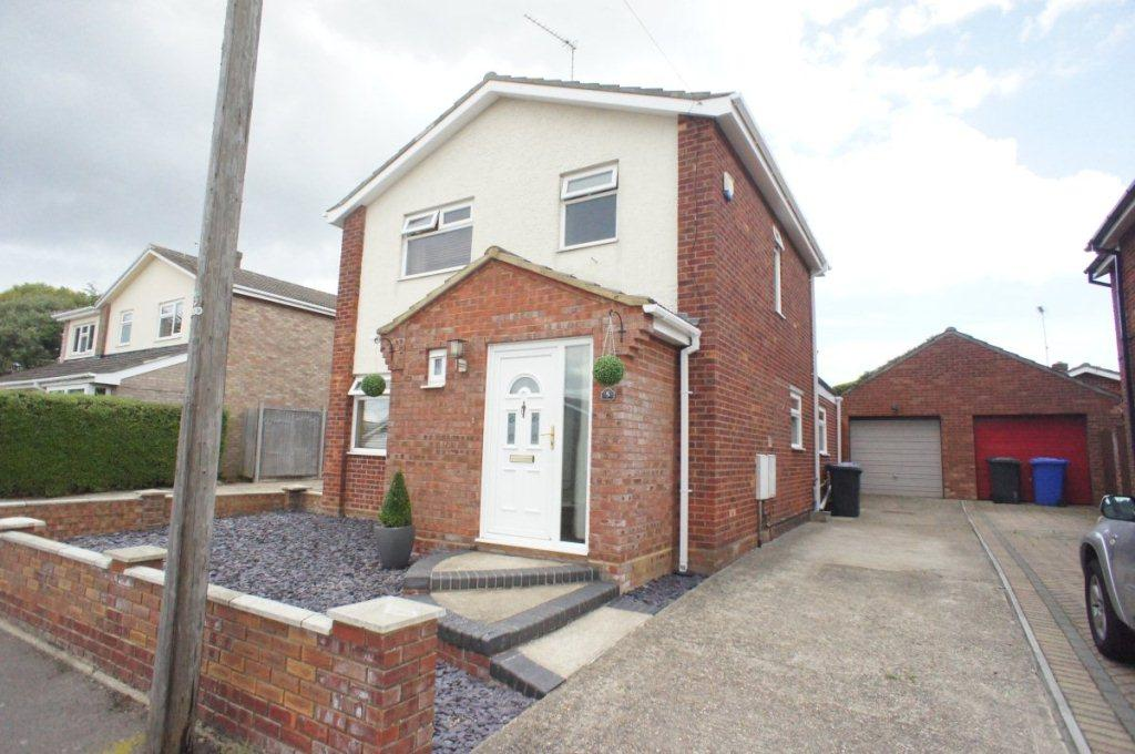 3 Bedrooms Detached House for sale in Cotswold Way, Oulton Broad