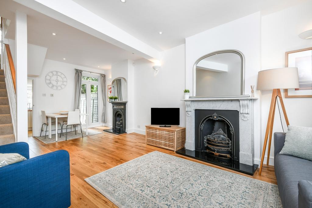 2 Bedrooms Terraced House for sale in Scrooby Street London SE6