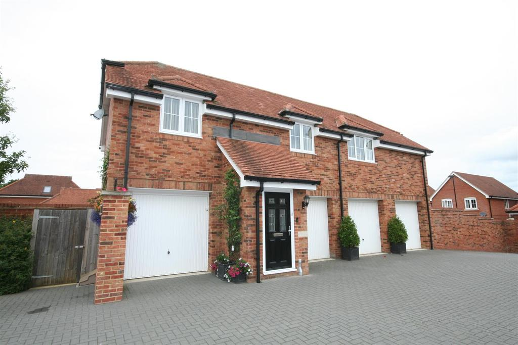 2 Bedrooms Detached House for sale in Deer Park, Henfield